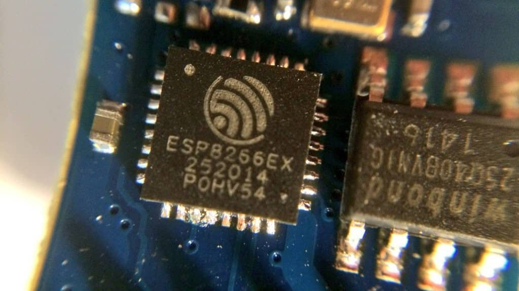 esp8266-5-microcontroller-wi-fi-now-arduino-compatible
